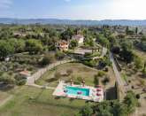 Tuscany apartments with garden, BBQ, views and fantastic pool
