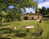 Poggio al Sole is a small family-run farm and rural B&B