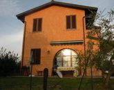 Villa with pool and private garden with BBQ in Tuscany, near Lucca